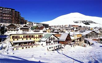 School ski trips to Alp D'Huez, school ski tours to Alp D'Huez, ,, school ski holidays to Alp D'Huez Halsbury Travel