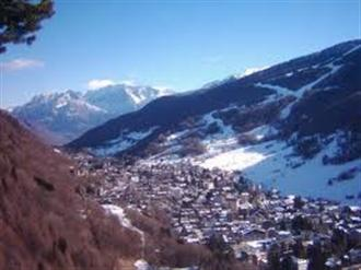 School ski holiday in Aprica Italy with Halsbury Travel Ltd.