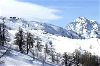 School ski trips to Cesana, school ski tours to Cesana, Milky Way, school ski holidays to Cesana Halsbury Travel