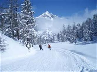 School ski trips to Claviere, school ski tours to Claviere, Milky Way, school ski holidays to Claviere Halsbury Travel