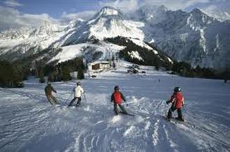 School ski trips to Les Houches, school ski tours to Les Houches, Chamonix Valley, school ski holidays to Les Houches Halsbury Travel
