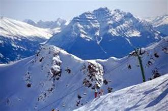 School ski holiday in Jasper, Alberta Canada with Halsbury Travel Ltd.