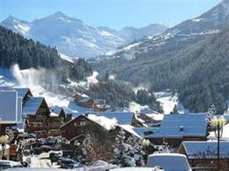 School ski trips to Les Menuires, school ski tours to Les Menuires, Three Valleys, school ski holidays to Les Menuires Halsbury Travel