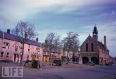 Arromanches town square